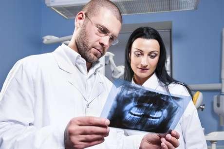 Las piezas supernumerarias se pueden encontrar en cualquier región del arco dental