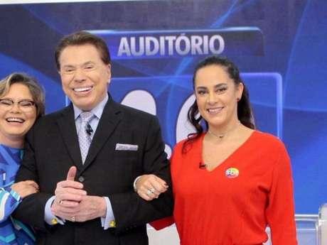 Silvia Abravanel reclamou do pai, Silvio Santos, no programa dele, neste domingo, 5 de novembro de 2017: 'Ganho salário de produtora'
