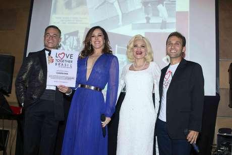 Frederico Reuter, Claudia Raia, Débora Reis e Alex Slama