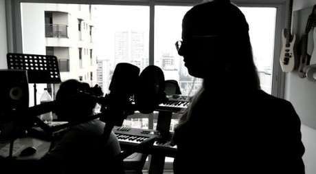 Gravação no Estúdio Amplifique Áudio