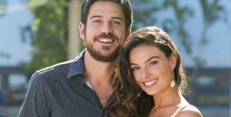 Zeca (Marco Pigossi) e Ritinha (Isis Valverde): os telespectadores portugueses estão hipnotizados pela trama de sucesso da Globo.