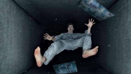 Homem caindo