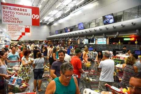 Vendas do varejo aumentaram 0,5% de agosto para setembro, depois de recuo de 0,4%