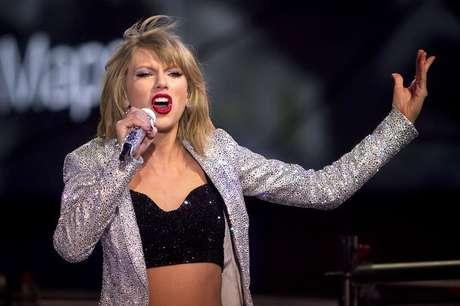 Taylor Swift durante show em Nova York  31/12/2014   REUTERS/Carlo Allegri