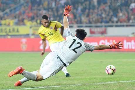 Borja marca o quarto gol da Colômbia, seu segundo na partida