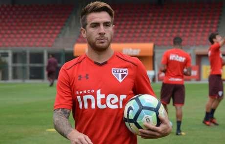 Lateral-direito argentino ficou fora do último jogo por opção de Dorival Júnior (Érico Leonan/saopaulofc.net)