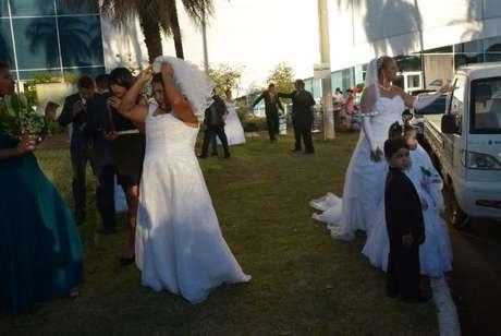 Casamento comunitário reúne casais no Centro de Convenções de Brasília -