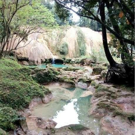 Cachoeira praticamente vazia