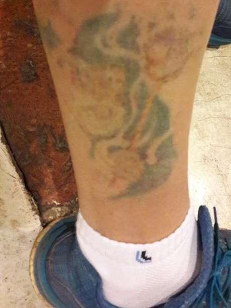 Tatuagem na perna de Henrique Lopes Carvalho da Silveira