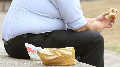 Homem obedo