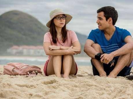 """Benê (Daphne Bozaski) e Guto (Bruno Gadiol) se aproximam após menina ficar surda em """"Malhação"""""""