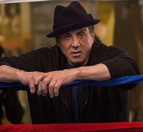 """Segundo a porta-voz de Stallone, a acusação """"é uma história ridícula e categoricamente falsa""""."""