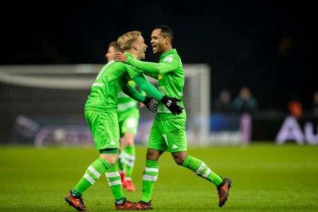 Brasileiro marca 2 vezes e Borussia Mönchengladbach vence Hertha Berlin no Alemão