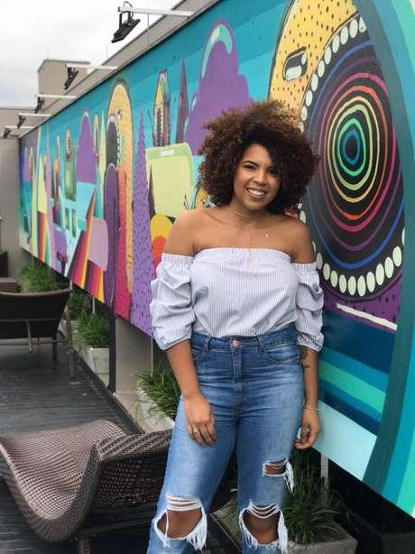 Aos 24 anos, a gaúcha Duda Buchmann é dona do blog Negra e Crespa