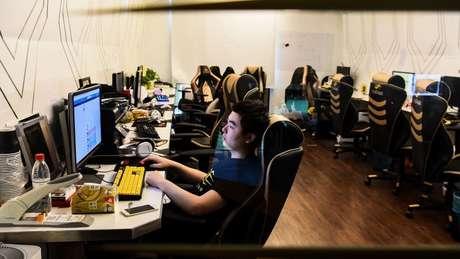 Jogadores de videogame na China.