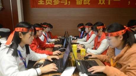 Funcionários da Alibaba