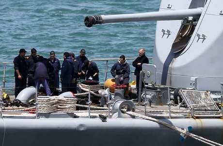 Equipe se prepara para buscas pelo submarino argentino em Mar del Plata  21/11/2017     REUTERS/Marcos Brindicci