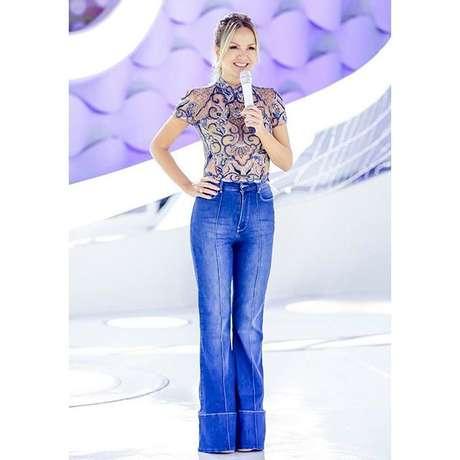 Eliana com jeans e blusa bordada (Fotos: Reprodução/Instagram/Thidy Alvis)