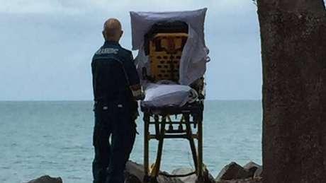 Paciente estava a caminho do hospital quando ambulância fez um pequeno desvio para que ela pudesse ver o mar | Foto: Queensland Ambulance Service/Facebook