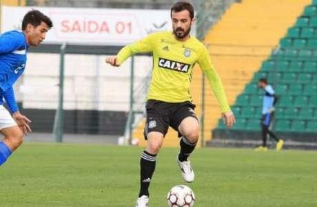 Juliano analisa temporada no Figueirense (Foto: Luiz Henrique / Divulgação / Figueirense)