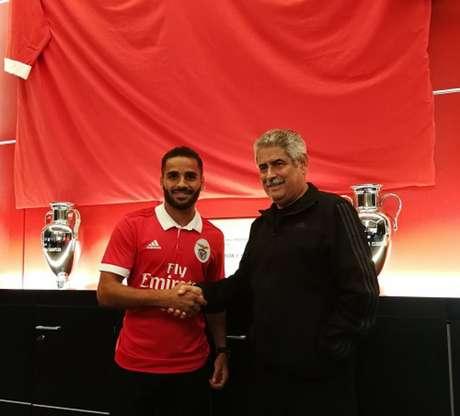 Douglas será devolvido ao Barcelona antes do prazo