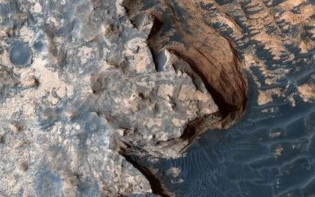 Imagem obtida pela câmera High Resolution Imaging Science Experiment (HiRISE) mostra superfície de Marte 18/4/2017 NASA/JPL/University of Arizona/Handout via REUTERS