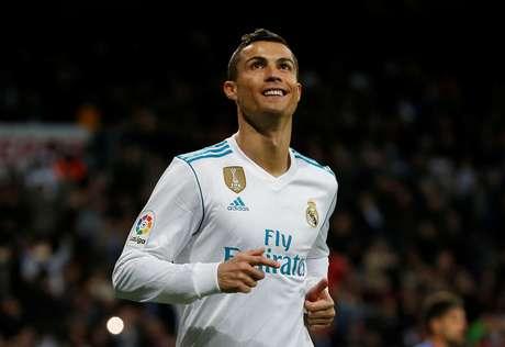 Cristiano Ronaldo é visto comemorando após marcar gol em partida entre Real Madrid e Málaga em Madrid, Espanha  25/11/2017  REUTERS/Javier Barbancho