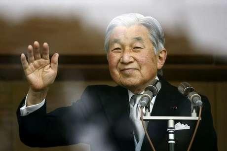 Imperador Akihito, do Japão, durante comemoração de aniversário no Palácio Imperial, em Tóquio 23/12/2015 REUTERS/Thomas Peter