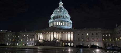 Reforma aprovada pode ampliar déficit fiscal do país em ao menos 1 trilhão de dólares numa só década