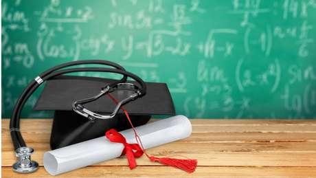 Em 2016, mais da metade dos recém-graduados que prestaram a prova do Cremesp reprovaram