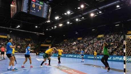 Seleção Brasileira encara a Rússia nesta terça-feira (Foto: CARMEN JASPERSEN / AFP)