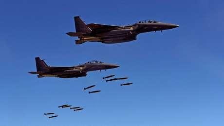 Caças furtivos F-22 participaram das manobras dos EUA e da Coreia do Sul