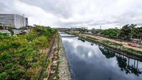 Rio Tietê visto da Ponte das Bandeiras | Foto: William Lucas/SOS Mata Atlântica