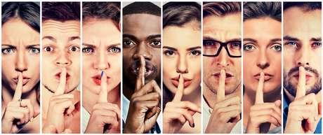 A Papisa é puro segredo, silêncio, quietude em tudo que pensa e planeja. Logo, cale a boca!