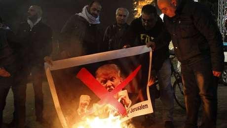 Aliada dos EUA, Arábia Saudita classificou a decisão de 'flagrante provocação aos muçulmanos de todo o mundo'