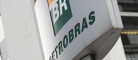 """""""Petrobras foi a principal vítima de um gigantesco esquema de desvio de recursos públicos"""", diz presidente da estatal"""