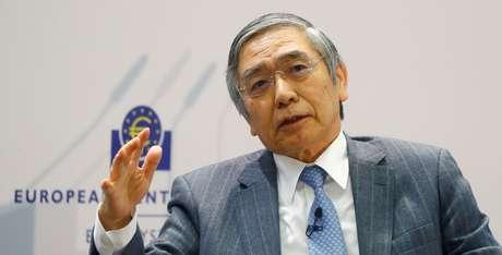 Presidente do banco central do Japão, Haruhiko Kuroda, durante conferência em Frankfurt, na Alemanha 14/11/2017 REUTERS/Kai Pfaffenbach