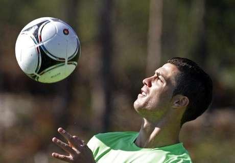 Cristiano Ronaldo durante treino 29/5/2012 REUTERS/Jose Manuel Ribeiro