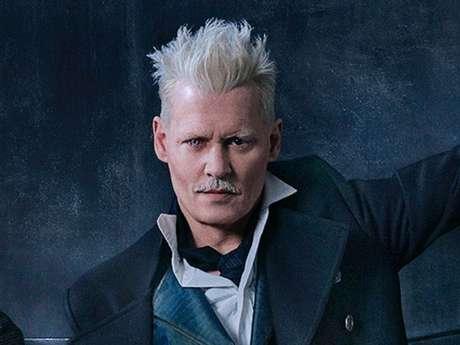 """J.K. Rowling fala sobre Johnny Depp em """"Animais Fantásticos 2"""" e deixa fãs irritados!"""