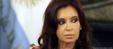 Kirchner nega envolvimento no caso e afirma ser vítima de perseguição política