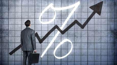 Selic atingiu mínima histórica em 2017, mas custo do crédito para empresas e famílias cai em ritmo mais lento