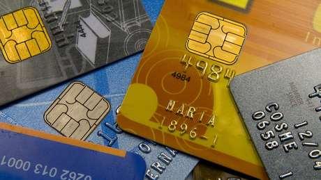 Taxa do rotativo do cartão foi a que mais recuou, devido a mudança de regulamentação em vigor desde abril | Foto: Marcos Santos/USP Imagens