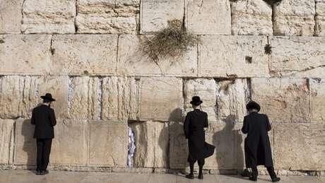 Lugar sagrado para judeus e muçulmanos, Jerusalém é alvo de disputa histórica