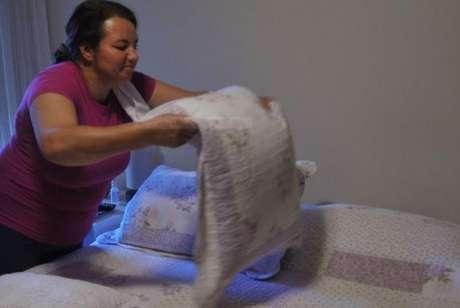 São consideradas outras formas de trabalho a atividade na produção de bens; os cuidados de pessoas, afazeres domésticos e o trabalho voluntário -
