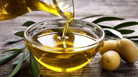 Azeite de oliva virgem ou extra-virgem devem conter apenas produto retirado da azeitona, sem adição de óleo vegetal