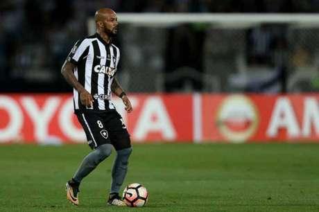 O volante Bruno Silva voltou a falar como se já fosse jogador do Cruzeiro, mas ainda pertence ao Botafogo (Foto: Vitor Silva/SSPress/Botafogo)
