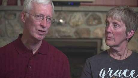 Durante vinte anos, os pais adotivos de Kati não revelaram a ela que seus pais biológicos queriam encontrá-la