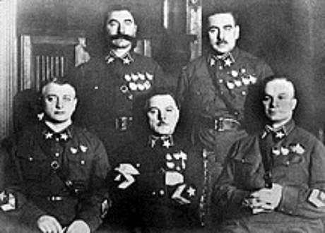 Os cinco marechais soviéticos, só dois sobreviveram
