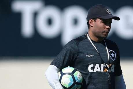 Jair Ventura avisa Botafogo que aceitou oferta para treinar o Santos