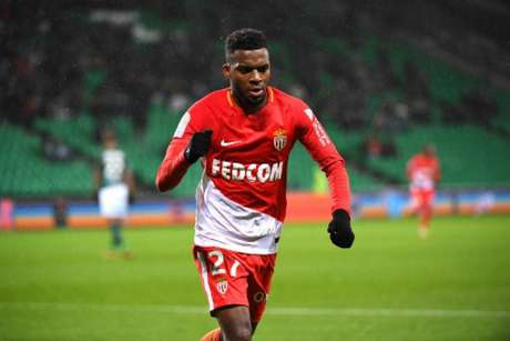 Fabinho marca, Saint-Étienne tem goleiro expulso, e Monaco goleia